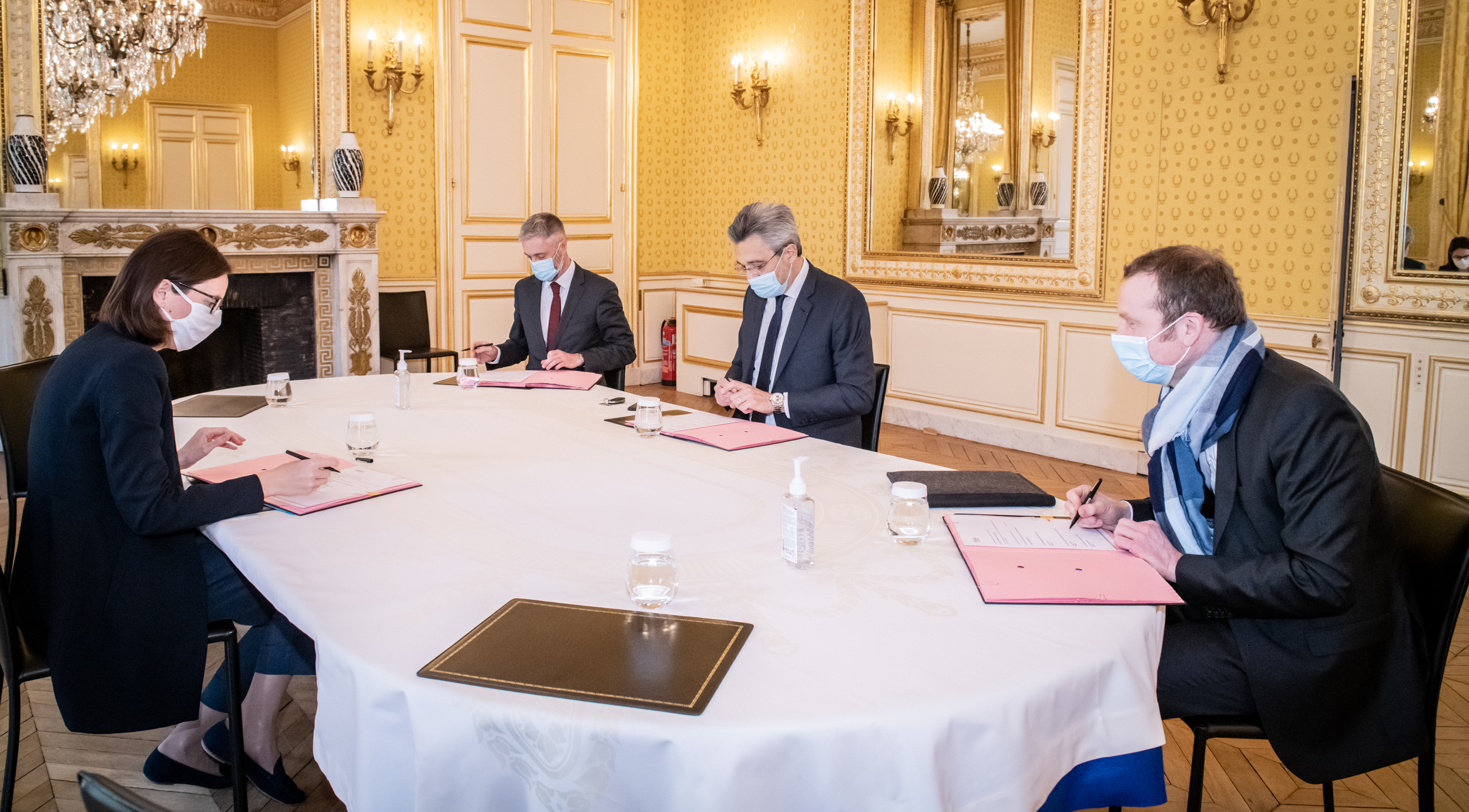 Communiqué ADH – Signature d'une convention de partenariat avec le ministère de la Transformation et de la Fonction Publiques, l'Association des Anciens Élèves de l'École Nationale d'Administration et l'Association des Administrateurs Territoriaux de France